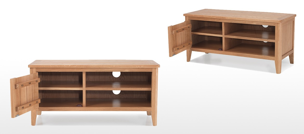 Eklund Oak Small TV Unit