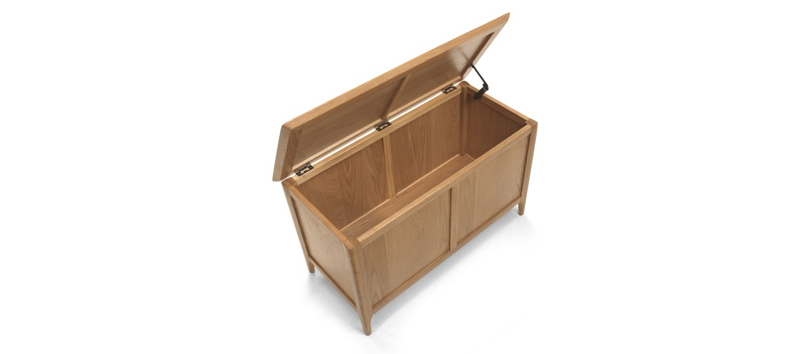 Kassay Oak Blanket Box