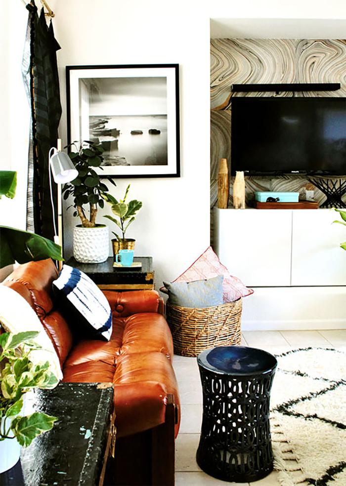 TV in alcove