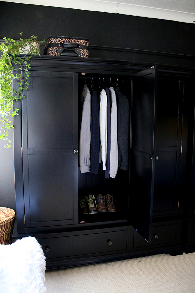Tidy Bedroom wardrobe